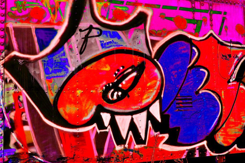 Lamy Train Graffitti