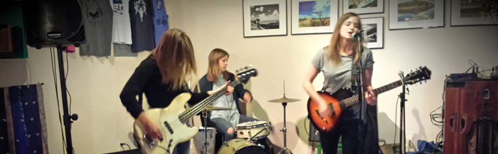 New-to-Taos band Mirror Travel plays at Ennui Gallery